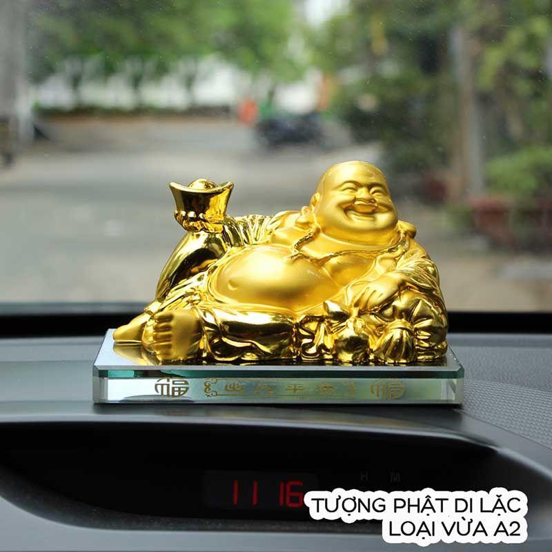 Tuong Phat Di Lac Để xe ô tô